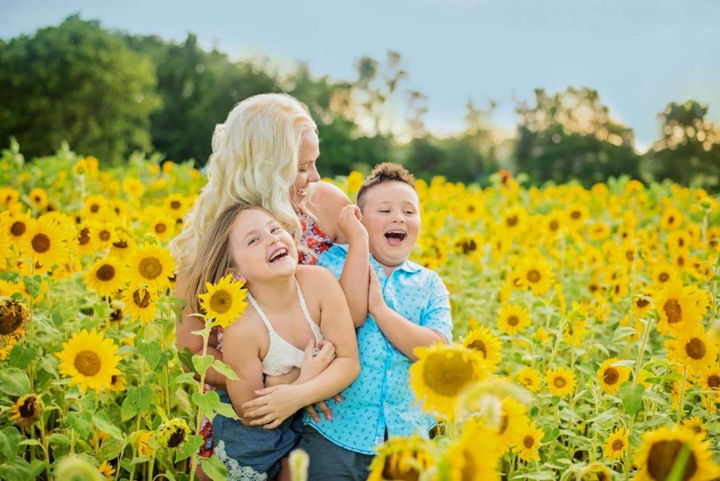 Susan & Her Twins Sunflower Portrait Session, Family photos 17011, family photos camp hill pa, family photographer 17011, family photographer camp hill pa, family photos mechanicsburg pa-1