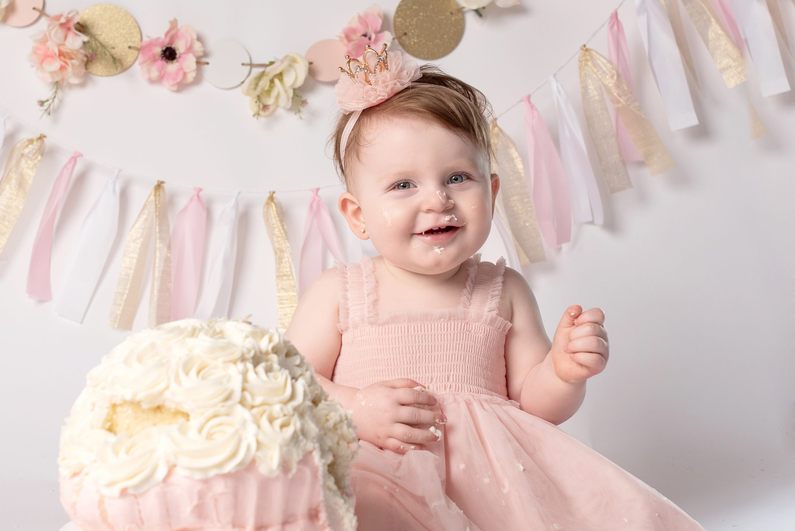 Cake Smash photography at one year old